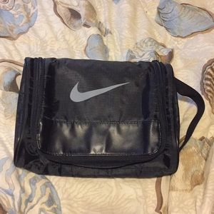 🤗Nike Travel bag toiletry approximately 9 x 8 in.